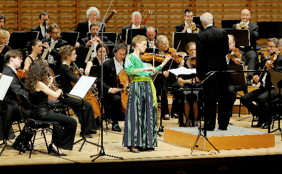 The COE, Bernard Haitink and Isabelle Faust at Lucerne Summer Festival 2014 (credit: Priska Ketterer