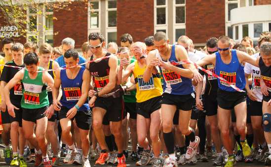 Elite runners lead off the field 2012