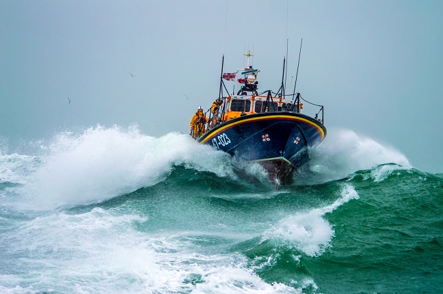 Poole Tyne class lifeboat Credit_RNLI Andy Lyons (1).jpg